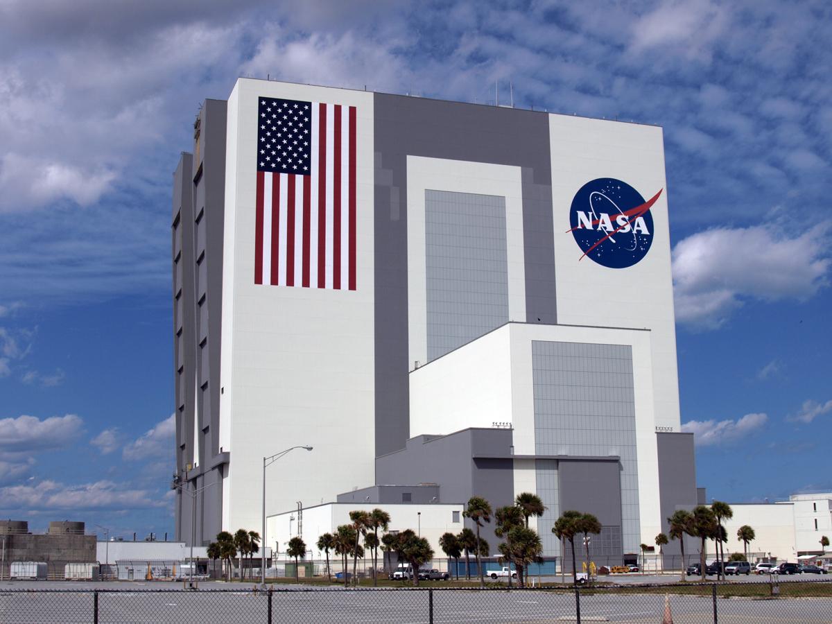 Visit The Kennedy Space Center Visitksc Daytripping Mom
